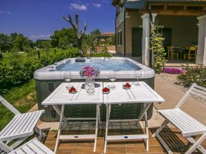 Villa Roža, Vily  Tinjan - big - 36