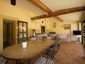 Villa - Connaux, Villas  Connaux - big - 27