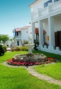 Hotel Navarone, Отели  Петрокорион - big - 6