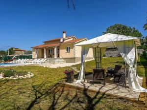 Holiday home Villa Mikela, Vily  Tinjan - big - 37