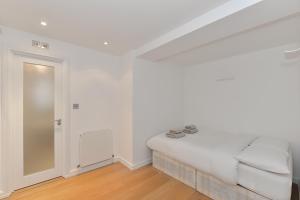 101 Lexham Gardens APT. 9, Apartmanok  London - big - 3