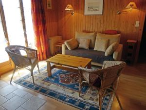 Chalet Chalet Lorila, Holiday homes  Arveyes - big - 3