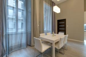BpR Apáczai Street Design Apartment, Apartmány  Budapešť - big - 21