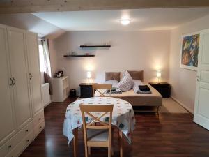 Seng og Kaffe B&B, Отели типа «постель и завтрак»  Fårvang - big - 1