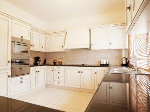 Villa KPBWB32, Holiday homes  Paralimni - big - 13