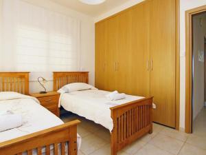 Villa KPBWB32, Ferienhäuser  Paralimni - big - 8
