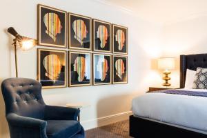 Deluxe Double Queen Room
