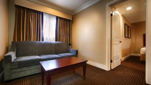 Suite with Two Queen Beds - Non-Smoking