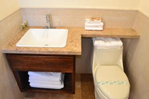 Hotel Quintas Papagayo, Hotels  Ensenada - big - 123