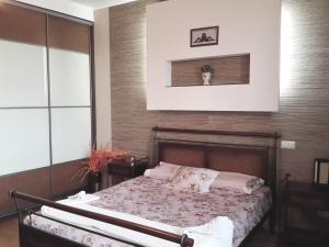 Apartment 24dom Teplichnaya 1, Apartmanok  Minszk - big - 21