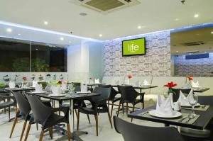 The Life Hotels City Center, Hotely  Surabaya - big - 37