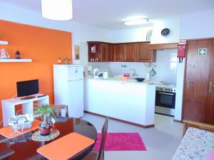 Low Cost Apartment, Apartmány  Peniche - big - 29