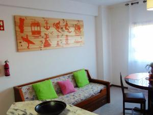 Low Cost Apartment, Apartments  Peniche - big - 36