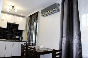 Day&Night Apartment, Apartmány  Mariupol' - big - 12
