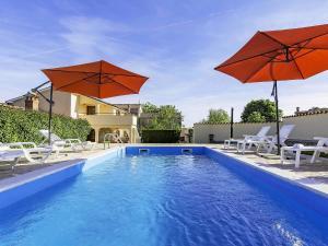 Holiday Home Lorena, Case vacanze  Tinjan - big - 5