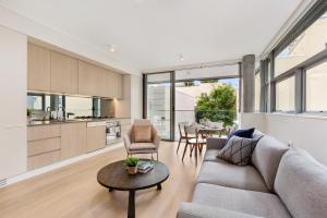 Darlinghurst Modern 2 Bed Apartment (dar104)