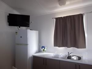 Oakridge Motel Tourist Park, Motels  Oakey - big - 35