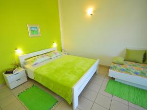 Apartment Karlo.3, Ferienwohnungen  Tribunj - big - 12