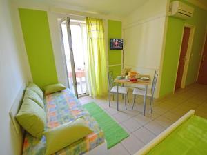 Apartment Karlo.3, Ferienwohnungen  Tribunj - big - 15