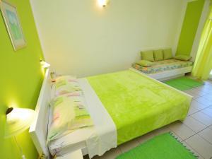 Apartment Karlo.3, Ferienwohnungen  Tribunj - big - 14
