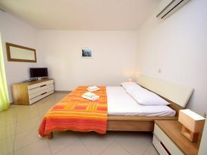 Apartment Marija.1, Apartmány  Potomje - big - 10
