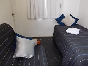 Oakridge Motel Tourist Park, Motels  Oakey - big - 28
