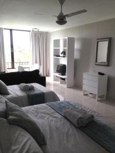 Beachbreak Holiday Letting, Apartmány  Durban - big - 38