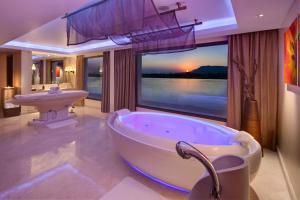 Hilton Luxor Resort & Spa (12 of 66)