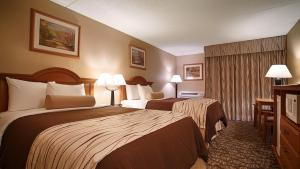 Deluxe Double Room with Two Double Beds and Spa Bath