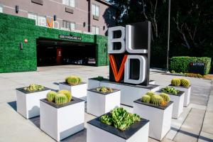 BLVD Hotel & Suites, Hotel  Los Angeles - big - 27