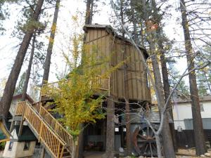 Castle Wood Theme Cottages- COUPLES ONLY, Hotels  Big Bear Lake - big - 63