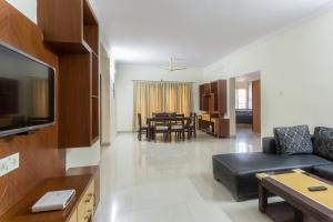 Treebo Hitec City, Апарт-отели  Хайдарабад - big - 19