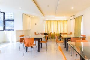 Treebo Hitec City, Апарт-отели  Хайдарабад - big - 32