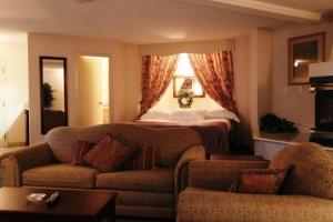 Honeymoon Suite - Non-Smoking