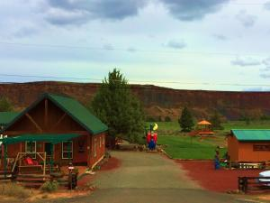 Cabins at Crooked River Ranch, Motely  Crooked River Ranch - big - 35