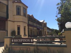 The Priory Hotel, Hotely  Dongara - big - 84