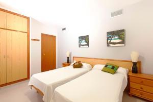 Apartamentos Colomar, Apartmanok  Es Figueral Beach - big - 15
