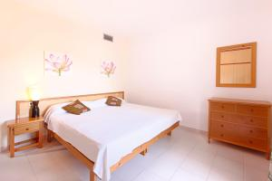 Apartamentos Colomar, Apartmanok  Es Figueral Beach - big - 13