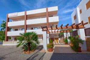 Apartamentos Colomar, Apartmanok  Es Figueral Beach - big - 18