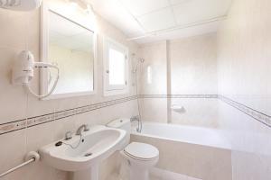 Apartamentos Colomar, Apartmanok  Es Figueral Beach - big - 11