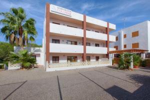Apartamentos Colomar, Apartmanok  Es Figueral Beach - big - 19