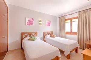 Apartamentos Colomar, Apartmanok  Es Figueral Beach - big - 5