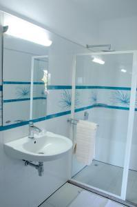 Ocean Spray, Apartments  Anse Etoile - big - 18