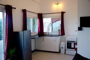 Ocean Spray, Apartments  Anse Etoile - big - 35