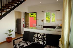 Ocean Spray, Apartments  Anse Etoile - big - 24