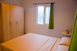 Ocean Spray, Apartments  Anse Etoile - big - 21