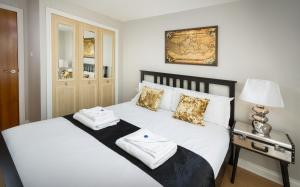 Two Bedroom Apartment - Old Tolbooth Wynd