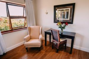 Suite med king-size-seng og fjellutsikt