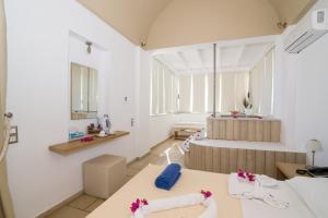 Antinea Suites Hotel & Spa(Kamari)