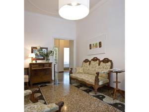 B&B Albaro, Bed and breakfasts  Genoa - big - 29